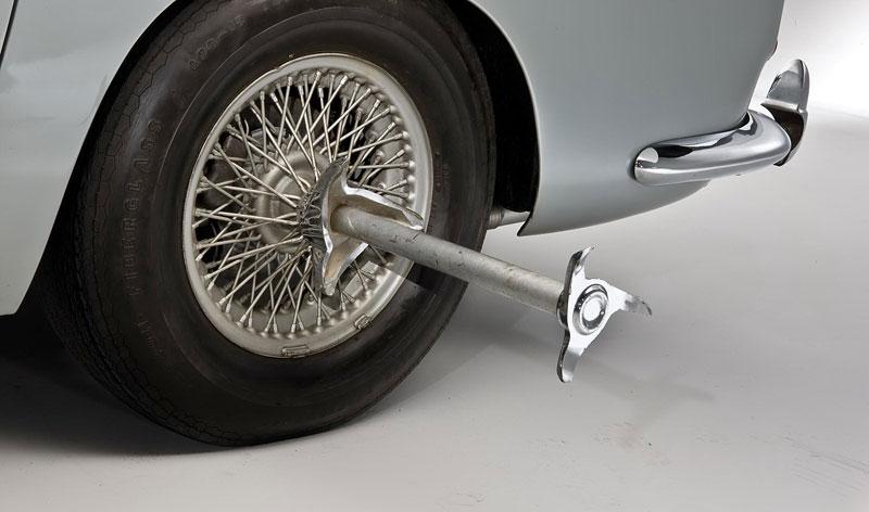 Aston Martin DB5 po Jamesi Bondovi prodán: - fotka 39