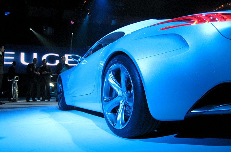 Koncept SR1: nová image Peugeotu přichází: - fotka 47