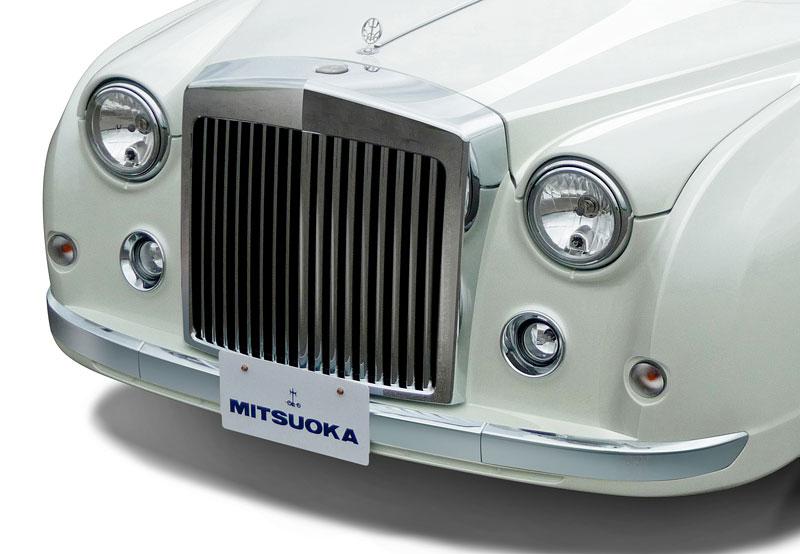 Mitsuoka Galue: Retro vzhled a moderní technika: - fotka 14