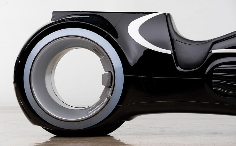 Motorka ze sci-fi Tron: Legacy prodána za 1,9 milionu korun: - fotka 8