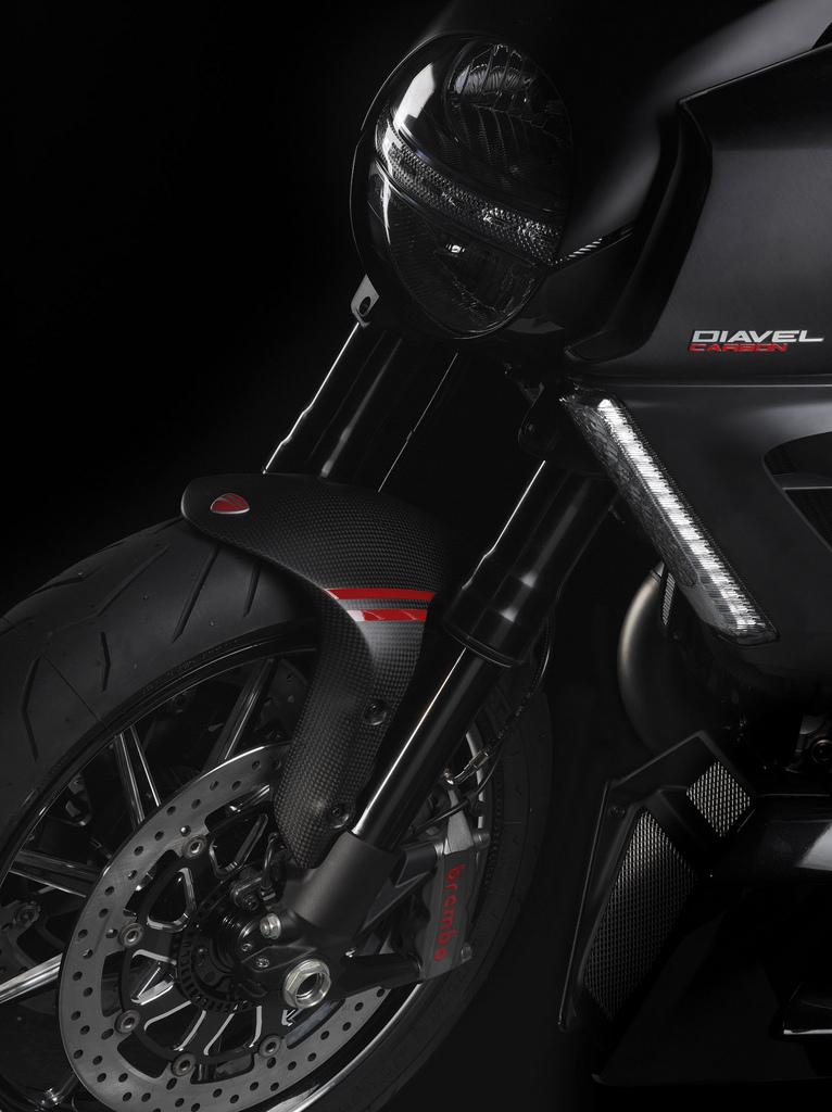 Oficiální představení Ducati Diavel: - fotka 42