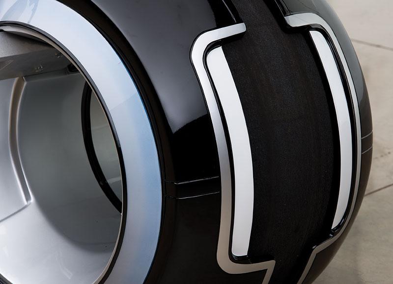 Motorka ze sci-fi Tron: Legacy prodána za 1,9 milionu korun: - fotka 9