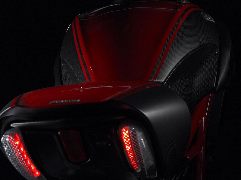 Oficiální představení Ducati Diavel: - fotka 43