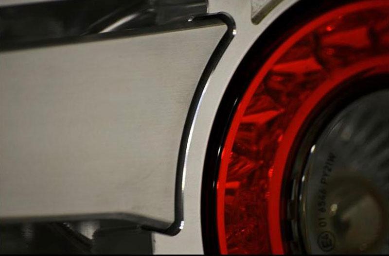 Arash AF8: Britský supersport se 7,0 V8 (410 kW): - fotka 28