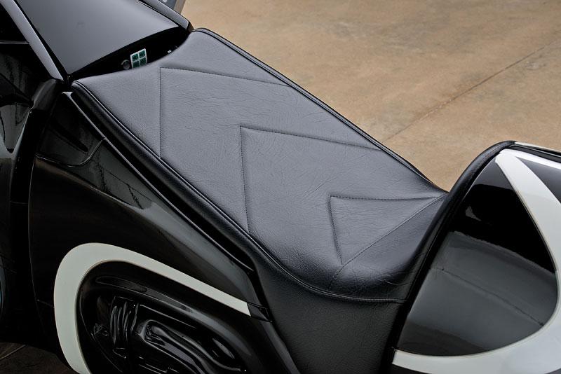 Motorka ze sci-fi Tron: Legacy prodána za 1,9 milionu korun: - fotka 10