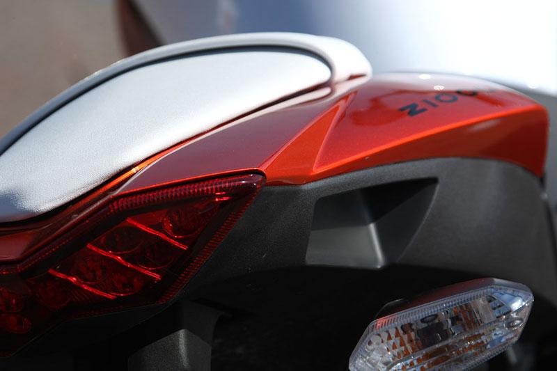 Kawasaki Z1000 - Velký Zed opět na scéně (představení): - fotka 26