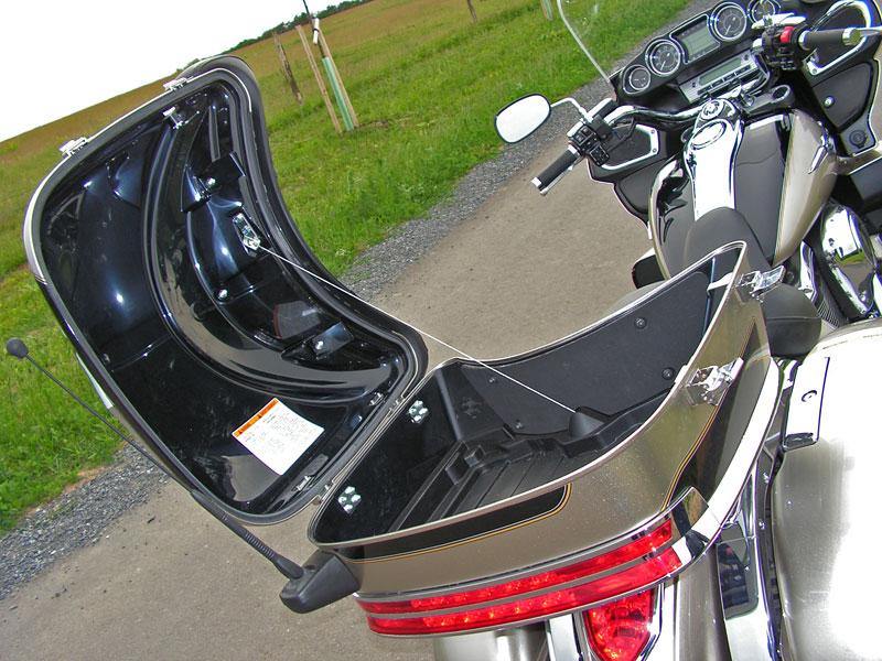 Test: Kawasaki VN1700 Voyager a srovnání s Harley-Davidson Electra Glide: - fotka 31