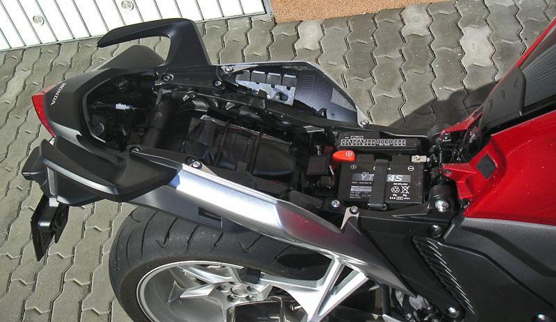 Dueltest - Honda VFR1200F vs. VFR800VTEC (generační srovnání): - fotka 33