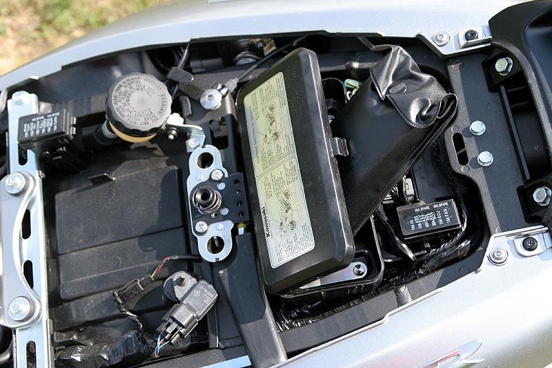 Test - Kawasaki ZZR1400: božský hypertourer: - fotka 28