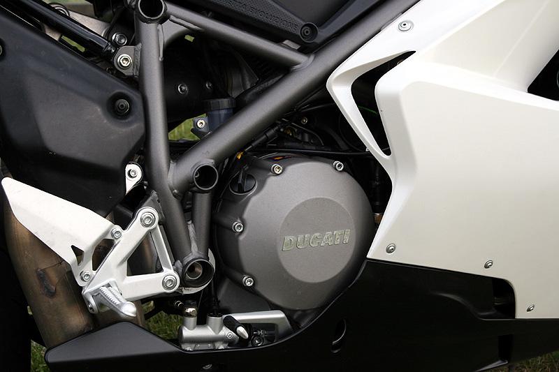Top 10 roku 2009: Motorky: - fotka 26