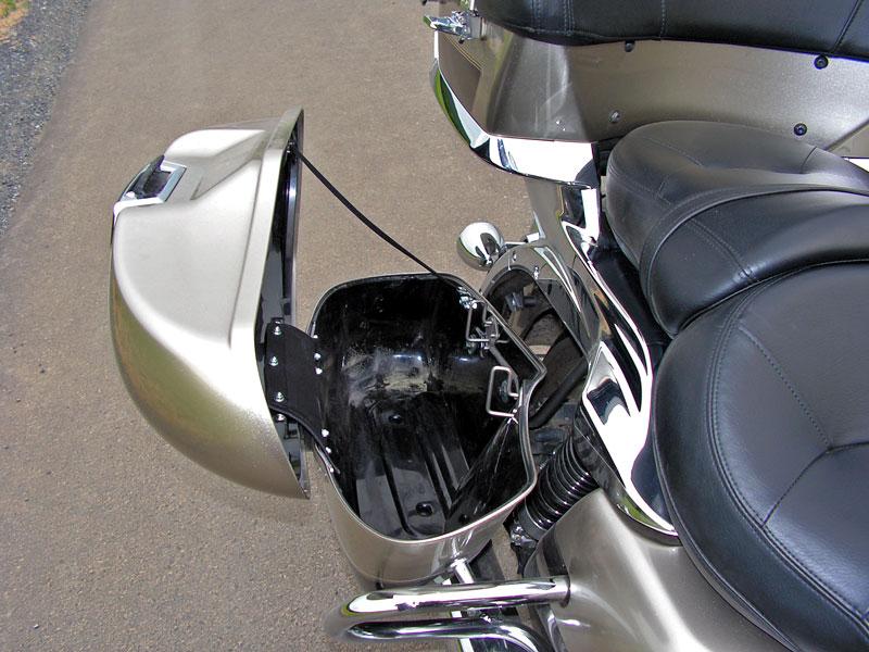 Test: Kawasaki VN1700 Voyager a srovnání s Harley-Davidson Electra Glide: - fotka 32