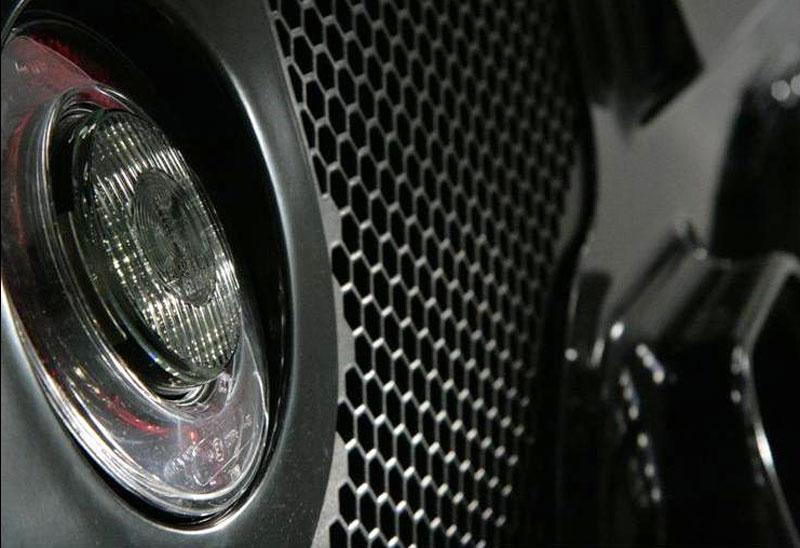 Arash AF8: Britský supersport se 7,0 V8 (410 kW): - fotka 30