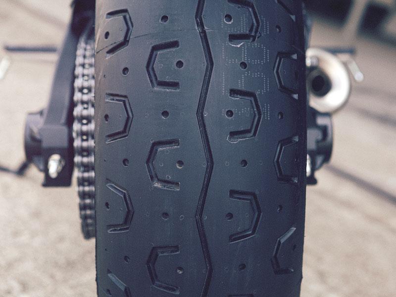 Yamaha XSR700: Rychlý potomek: - fotka 33