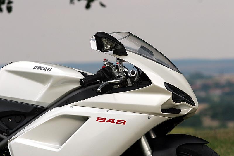 Top 10 roku 2009: Motorky: - fotka 28