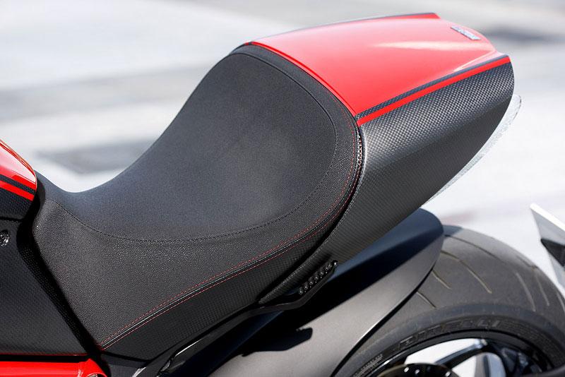 Oficiální představení Ducati Diavel: - fotka 48