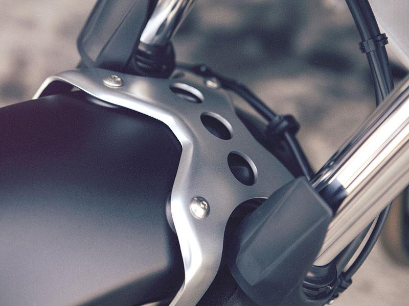 Yamaha XSR700: Rychlý potomek: - fotka 37