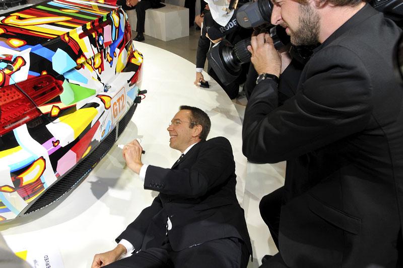BMW Art Car na Le Mans: galerie na čtyřech kolech: - fotka 21