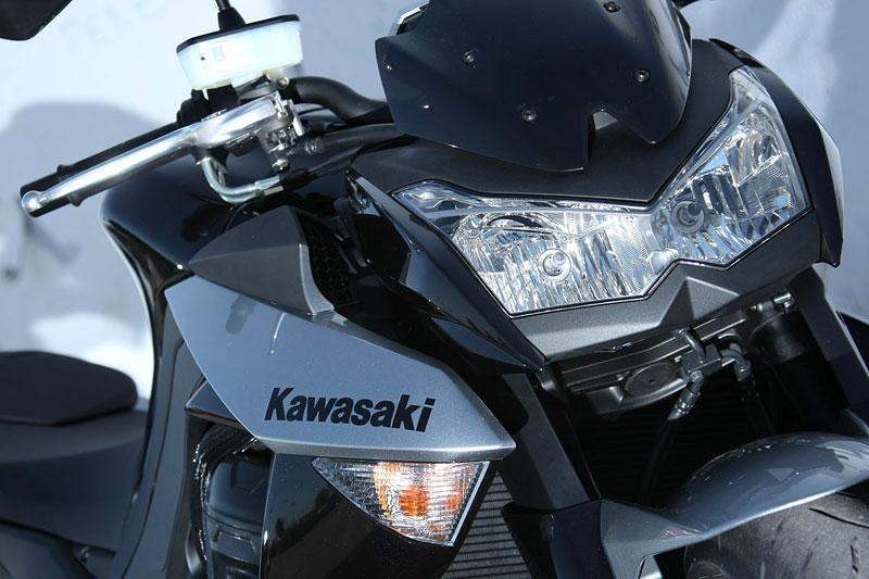 Kawasaki Z1000 - Velký Zed opět na scéně (představení): - fotka 32