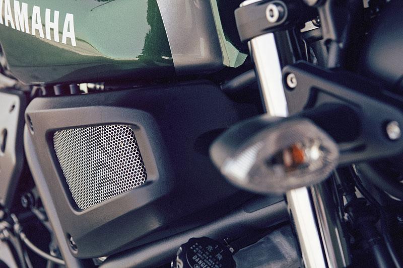 Yamaha XSR700: Rychlý potomek: - fotka 38
