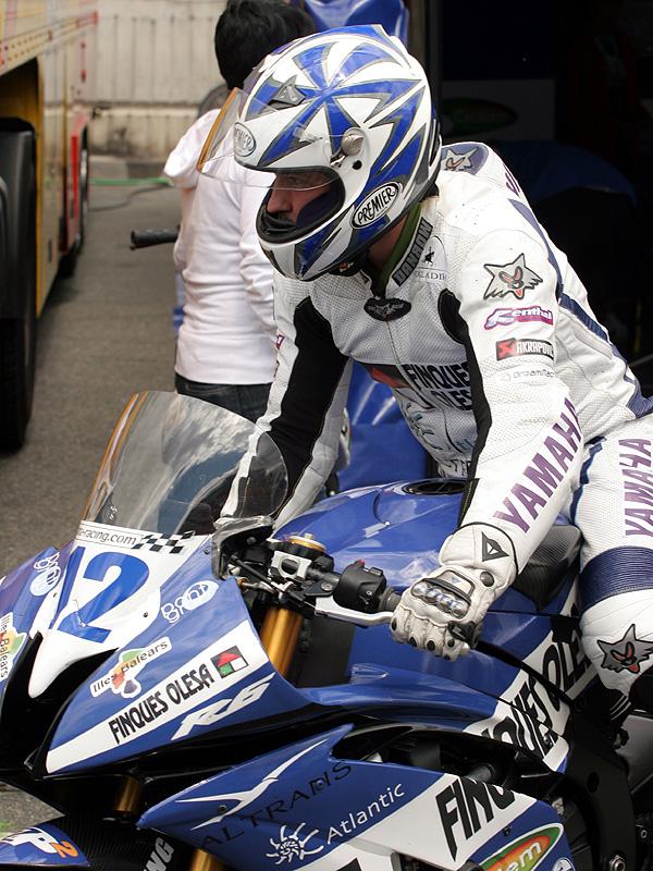 Víkend se Superbiky na brněnském okruhu (velká fotogalerie): - fotka 114