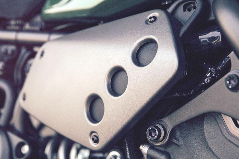 Yamaha XSR700: Rychlý potomek: - fotka 40