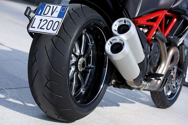 Oficiální představení Ducati Diavel: - fotka 53