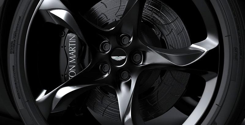 Aston Martin Gauntlet: Ugur Sahin představuje vizi nástupce V8 Vantage: - fotka 43