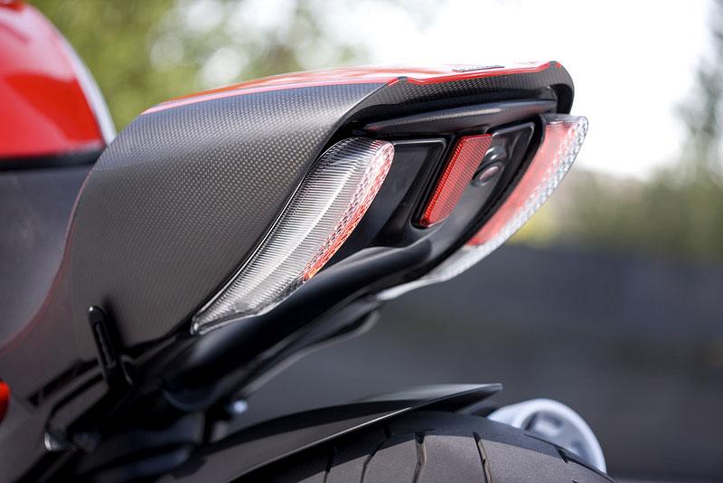 Oficiální představení Ducati Diavel: - fotka 56