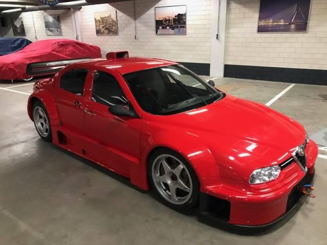 Na prodej je unikátní Alfa Romeo 156 Coloni S1. Jinou takovou nenajdete: - fotka 2