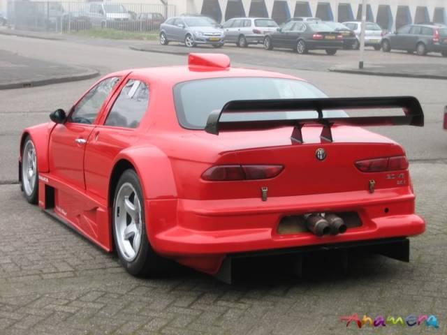 Na prodej je unikátní Alfa Romeo 156 Coloni S1. Jinou takovou nenajdete: - fotka 10