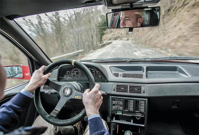 Znáte Alfu Romeo 155 GTA Stradale? Teď je jedna na prodej, za pořádný balík: - fotka 1