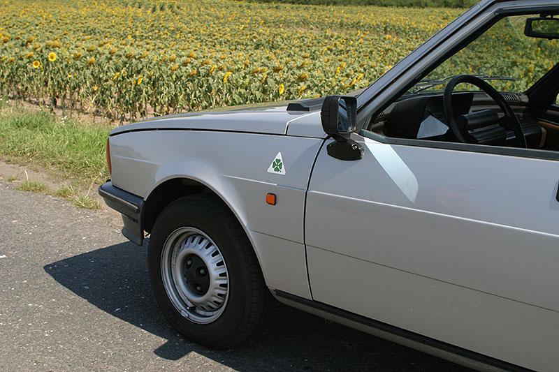 Řídili jsme Alfu Romeo Giulietta 1.3. Díky své jednoduchosti je mimořádně zábavná: - fotka 16