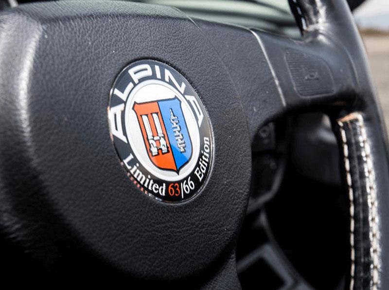 Věděli jste, že Alpina vylepšila i svérázný roadster BMW Z1? Vzniklo jen 66 kusů, jeden můžete mít: - fotka 3