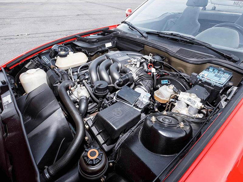 Věděli jste, že Alpina vylepšila i svérázný roadster BMW Z1? Vzniklo jen 66 kusů, jeden můžete mít: - fotka 10