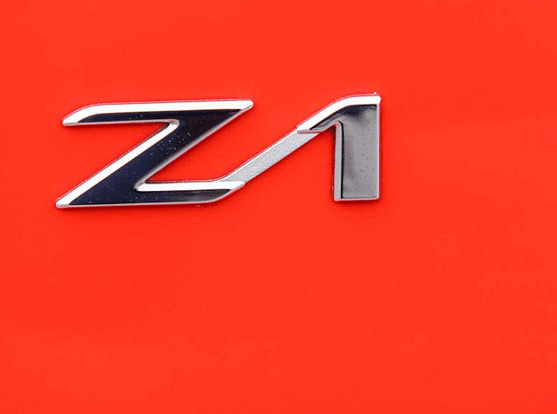 Věděli jste, že Alpina vylepšila i svérázný roadster BMW Z1? Vzniklo jen 66 kusů, jeden můžete mít: - fotka 11