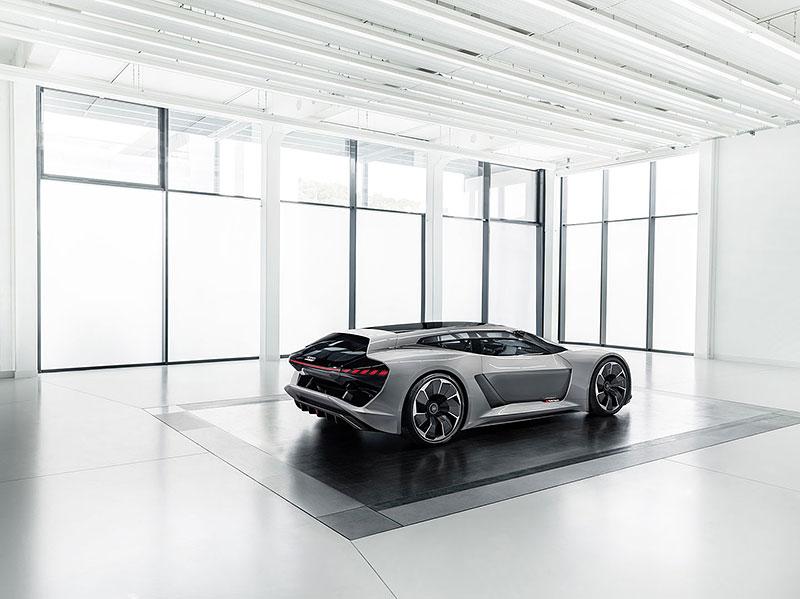 Audi bude vyrábět koncept PB18. Postaví ale jen 50 kusů: - fotka 17