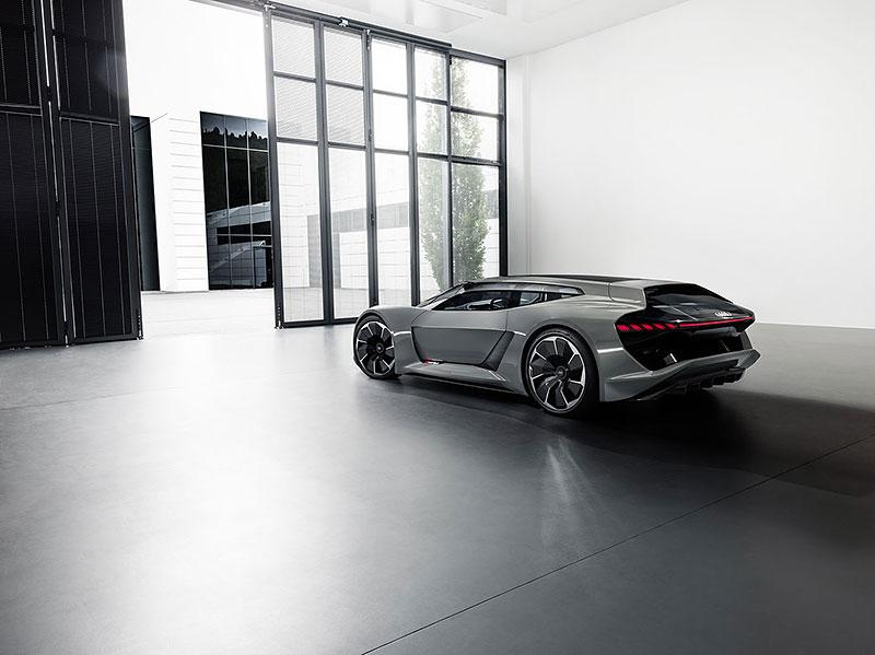Audi bude vyrábět koncept PB18. Postaví ale jen 50 kusů: - fotka 18