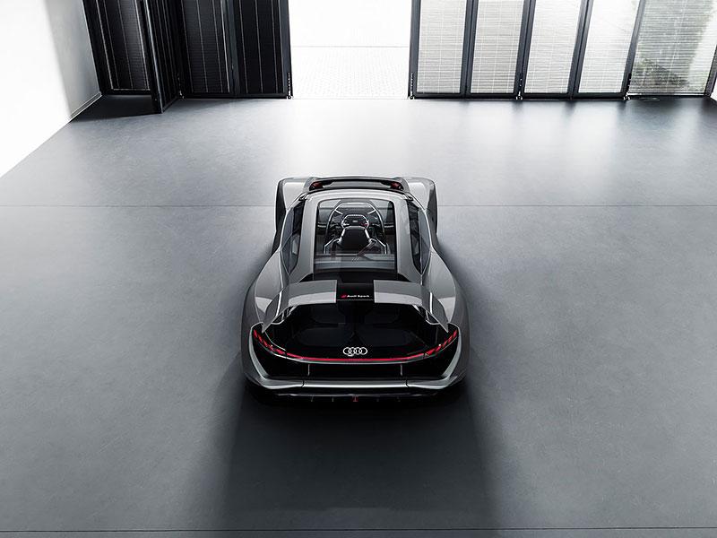Audi bude vyrábět koncept PB18. Postaví ale jen 50 kusů: - fotka 20