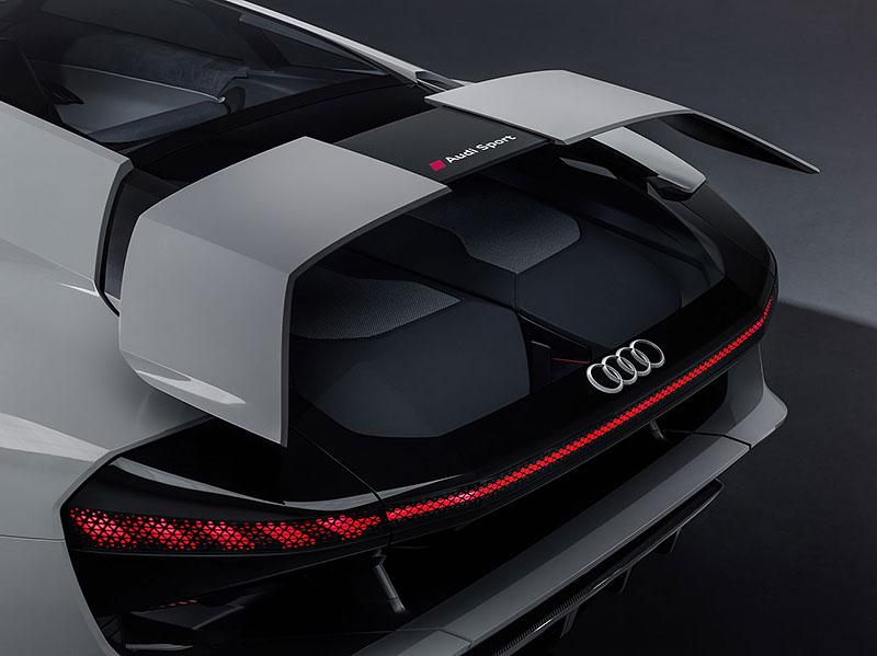 Audi bude vyrábět koncept PB18. Postaví ale jen 50 kusů: - fotka 22