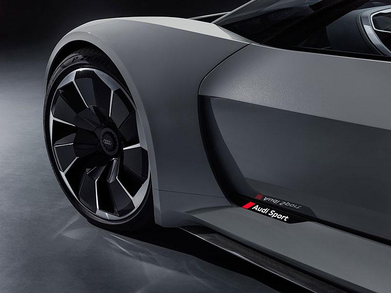 Audi bude vyrábět koncept PB18. Postaví ale jen 50 kusů: - fotka 23