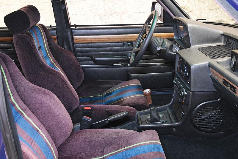 """Alpina B7 S Turbo byla vylepšená """"sedmička"""", která proháněla i supersporty. Právě teď je jedna na prodej: - fotka 1"""