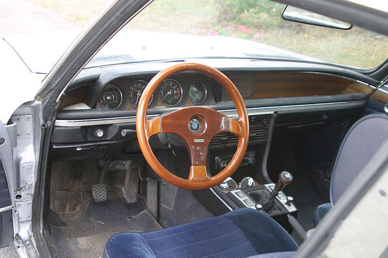 """Řídili jsme BMW 2800 CS. Je to dokonalý """"bavorák"""" ze staré školy: - fotka 1"""