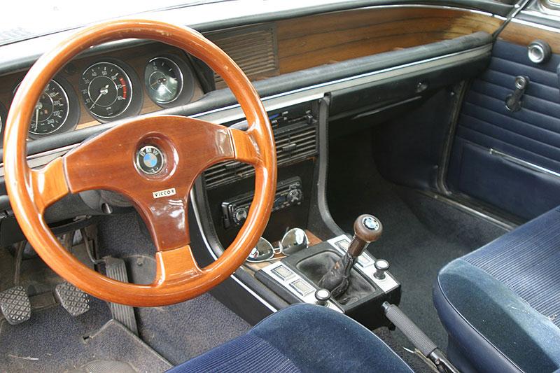 """Řídili jsme BMW 2800 CS. Je to dokonalý """"bavorák"""" ze staré školy: - fotka 2"""