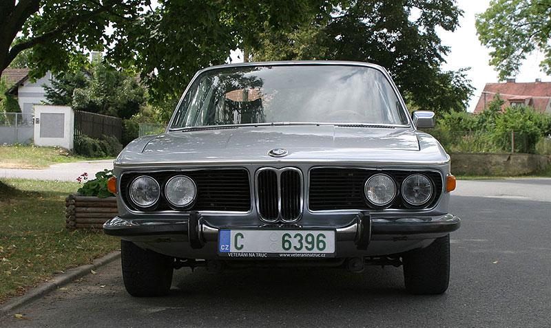 """Řídili jsme BMW 2800 CS. Je to dokonalý """"bavorák"""" ze staré školy: - fotka 4"""