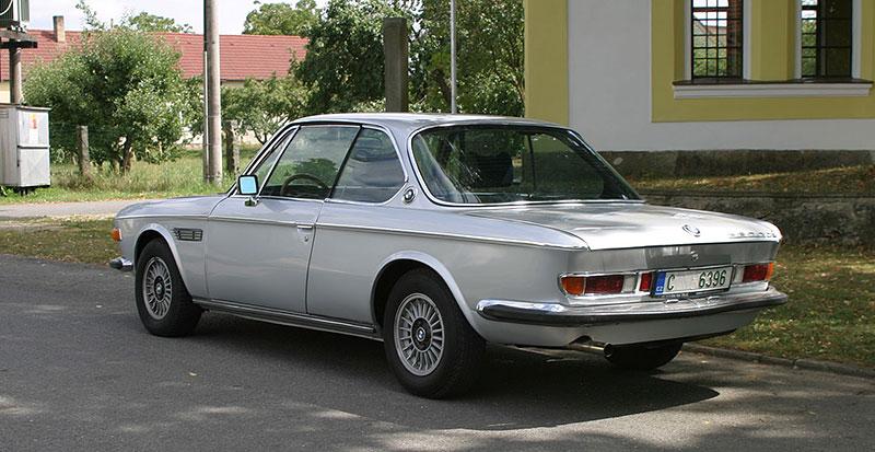 """Řídili jsme BMW 2800 CS. Je to dokonalý """"bavorák"""" ze staré školy: - fotka 10"""