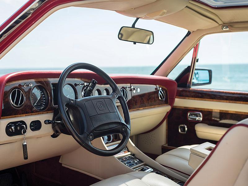 Na prodej je Bentley, o kterém jste možná ještě neslyšeli. Vzniklo jen pět kusů: - fotka 1