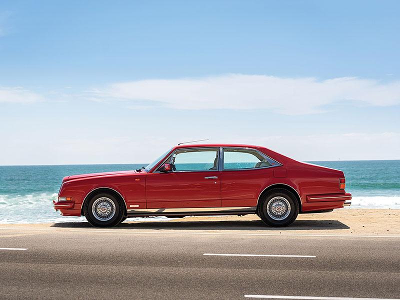 Na prodej je Bentley, o kterém jste možná ještě neslyšeli. Vzniklo jen pět kusů: - fotka 11