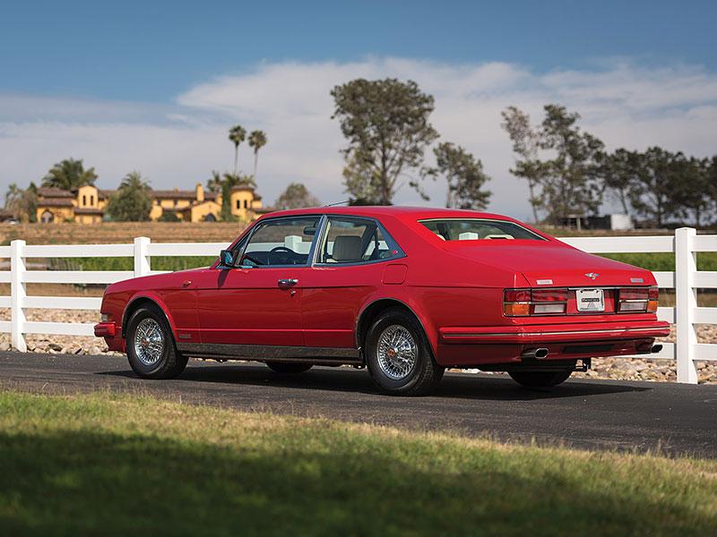 Na prodej je Bentley, o kterém jste možná ještě neslyšeli. Vzniklo jen pět kusů: - fotka 13