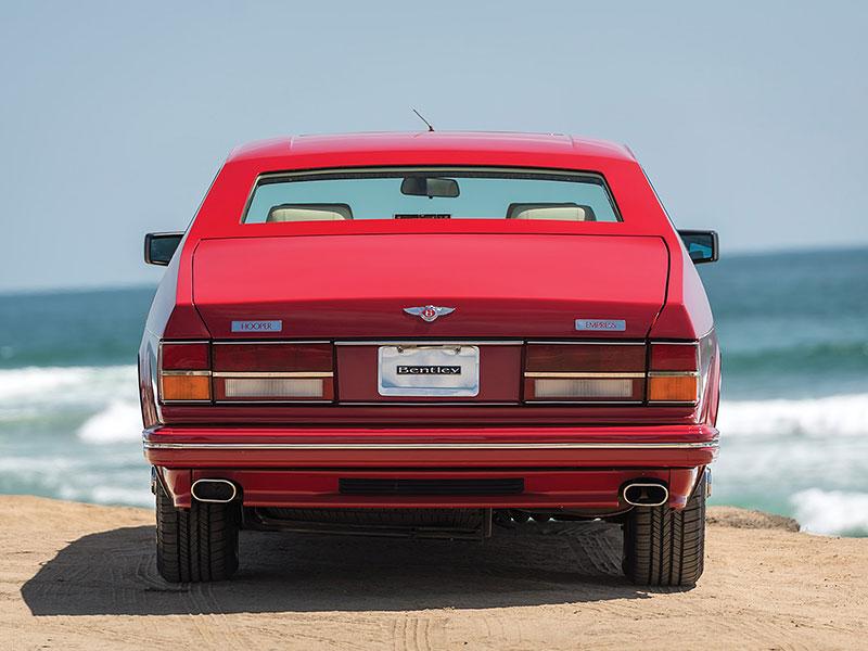 Na prodej je Bentley, o kterém jste možná ještě neslyšeli. Vzniklo jen pět kusů: - fotka 14