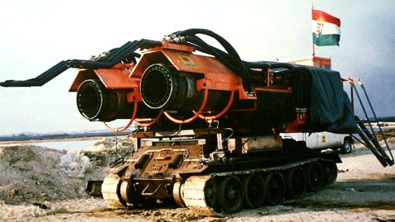 Maďaři kdysi spářili tank se stíhačkou. Ale z důvodů, které byste asi neuhodli: - fotka 2